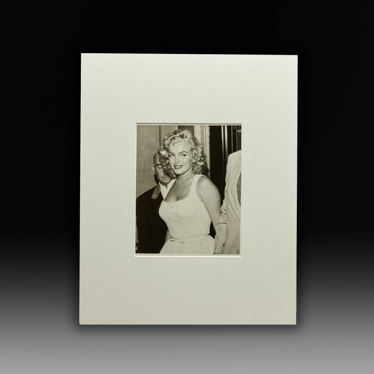 Km0575111 Final Marilyn Out On The Twon Master Kudos Shop Template