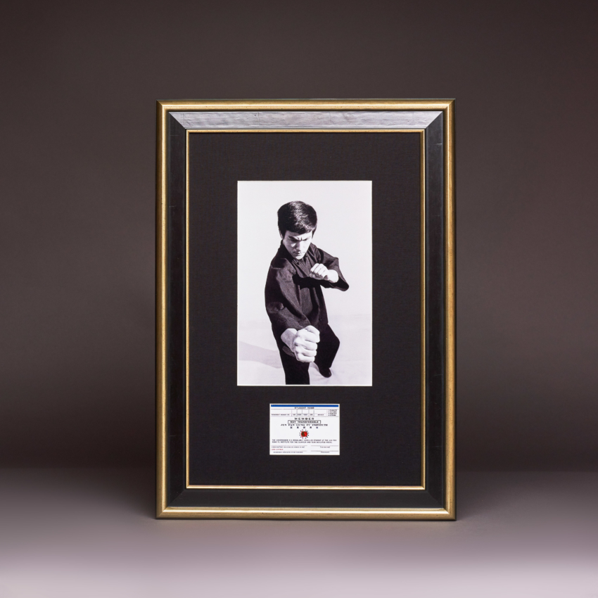 The Bruce Lee Fighting Method Series Limited Edition 3 Vertical Fist Km 0229 Kudos Catalogue Shoot2665